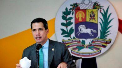 Photo of Guaidó acompaño a ciudadanos en colas de gasolina