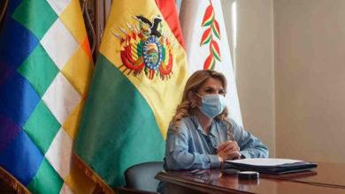 Photo of Jeanine Áñez, presidenta interina de Bolivia, tiene coronavirus