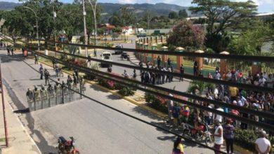 Photo of Protesta por gasolina en Santa María de Ipire, Guárico es reprimida por GNB