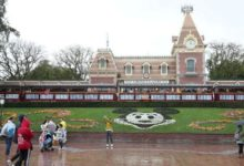 Photo of Disney aumentó los despidos previstos a 32.000 a medida que el virus llega a los parques temáticos