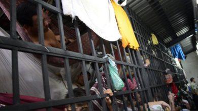 Photo of Presos venezolanos se mueren de hambre: Mataron a un perro para comérselo