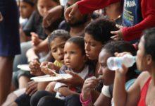 Photo of Trinidad y Tobago deportó a 160 venezolanos que acusó de ingresar ilegalmente al país caribeño